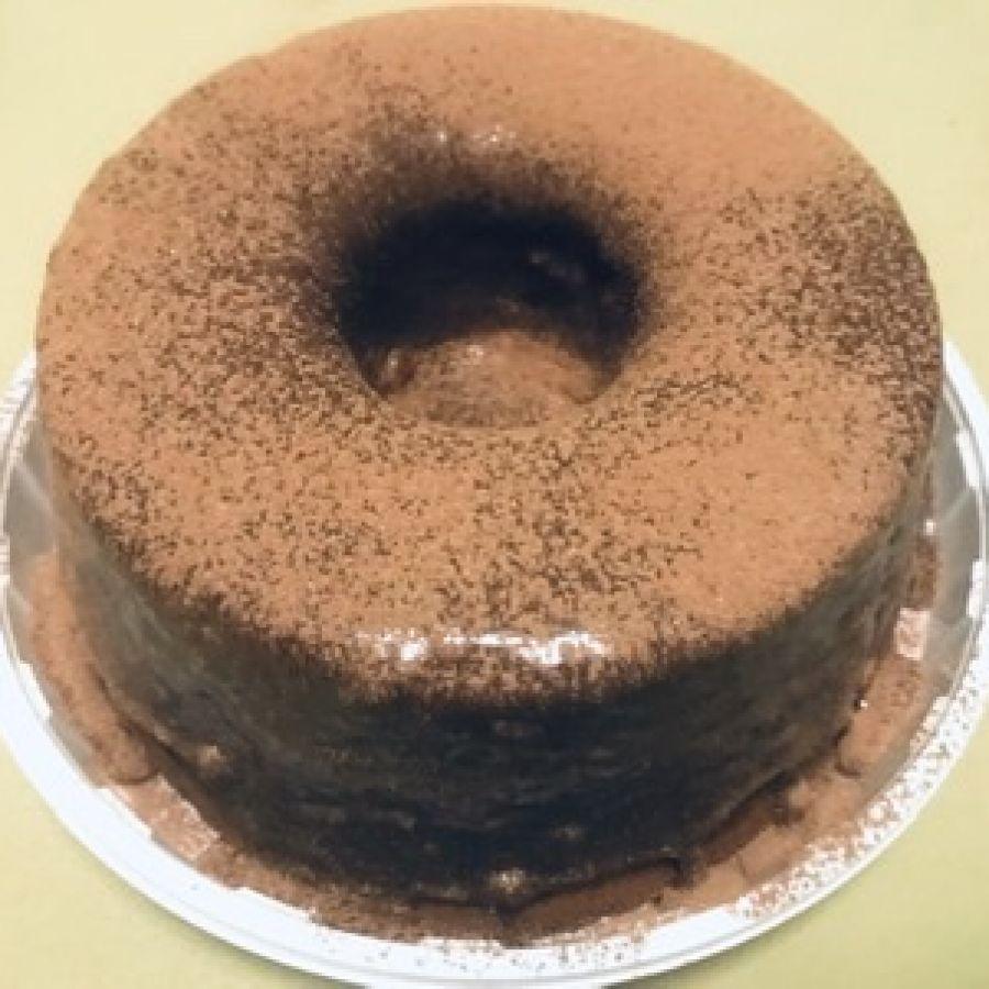Bolo de chocolate 32% cacau Carlinha Queiroz - M