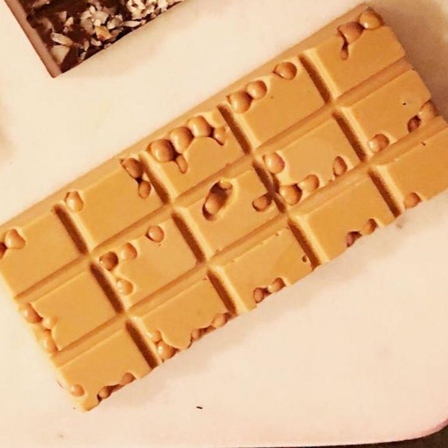 Barra de Chocolate Gold com crispearls de caramelo GiAngelis