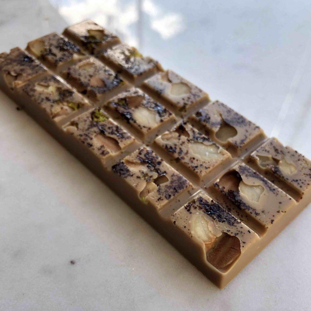 Barra de Chocolate Gold Café, Amêndoas e Laranja - GiAngelis Patisserie