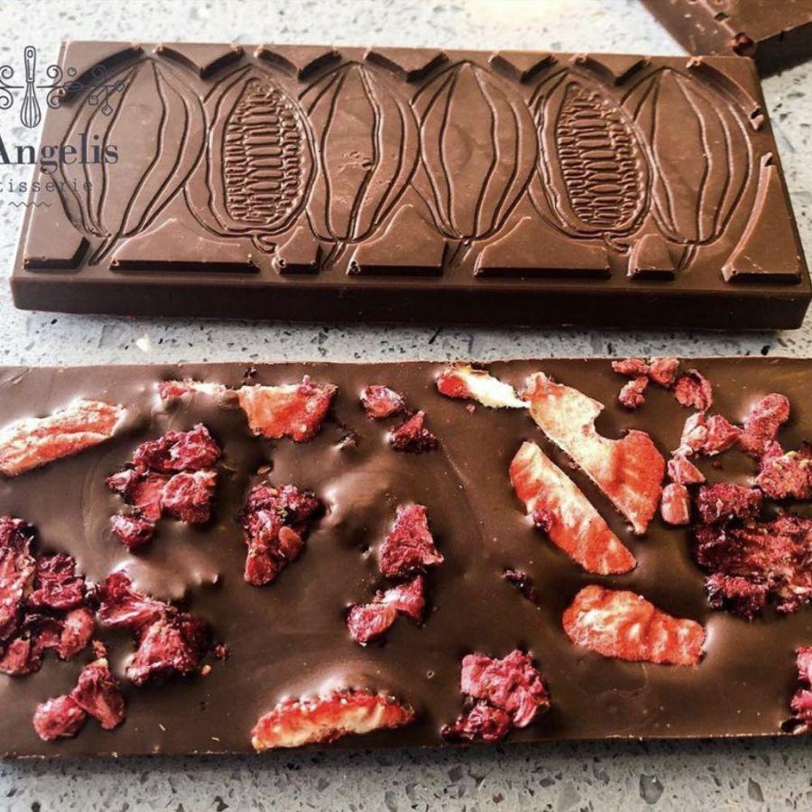 Barra de Chocolate zero açúcar 55% cacau com frutas vermelhas GiAngelis
